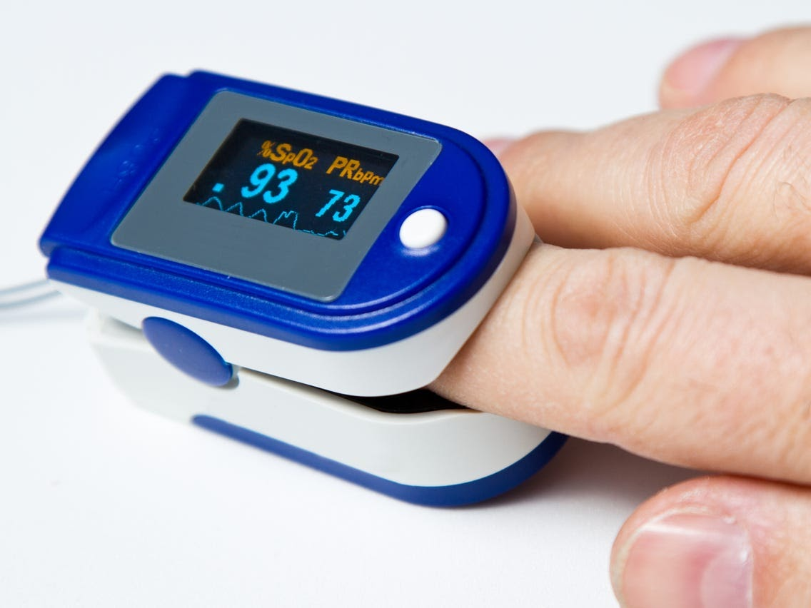 What is a pulse oximeter?